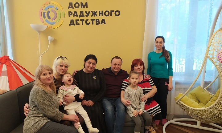 Зумрият Резаханова приехала в «Дом Радужного Детства» снова