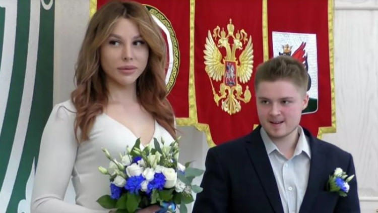 Трансгендеры-молодожены Эрика и Виктор. Фото: ria.ru
