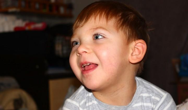 Маленькому Максиму с диагнозом ДЦП нужна реабилитация фото 4