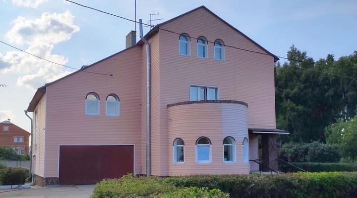 Омский бизнесмен подарил «Радуге» трёхэтажный коттедж фото 2