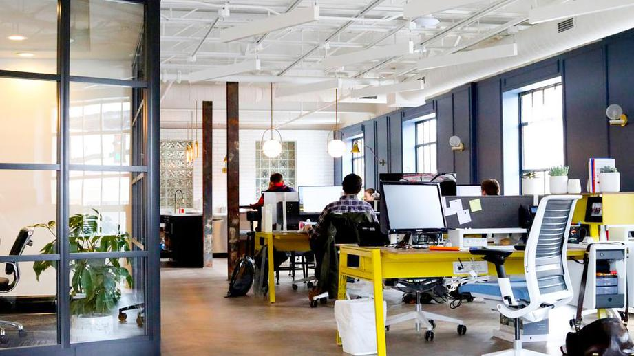 Нестандартная мебель как ключ к продуктивности, комфорту и уюту