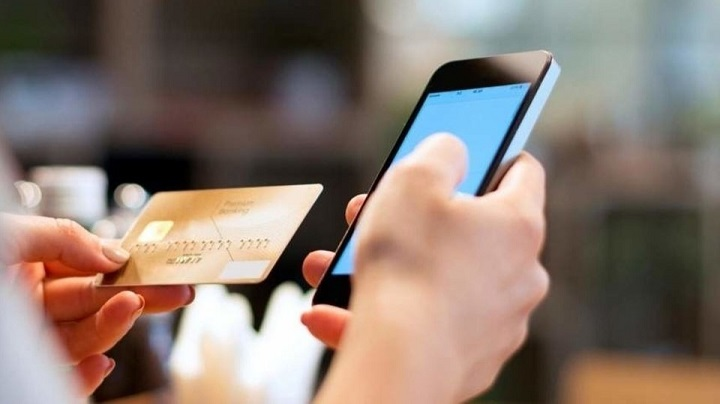 С 1 января с банков начали брать комиссию за переводы по номеру телефонов