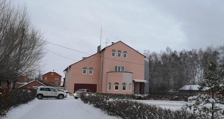Подаренный омскому хоспису коттедж помогут обустраивать шведы фото 2