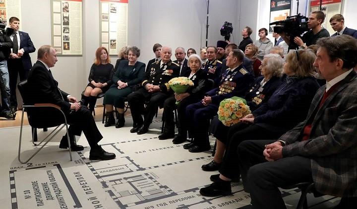 Президент России Владимир Путин на встрече с ветеранами войны. Фото: ТАСС