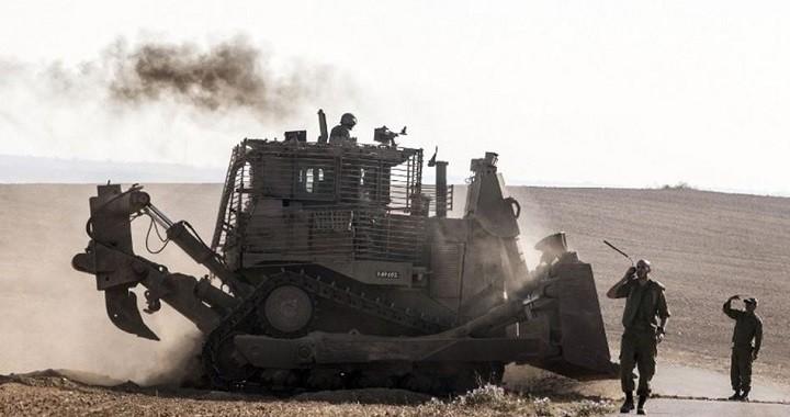 Бульдозер армии Израиля.