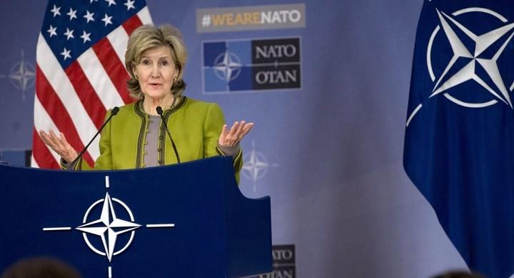 Постоянный представитель США при НАТО Кей Бейли Хатчинсон. Фото: AP.