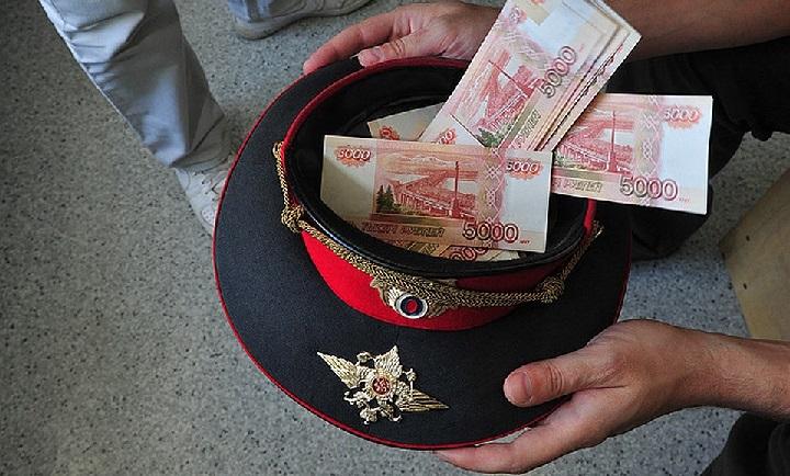 На Кубани пресечена преступная деятельность группы полицейских.