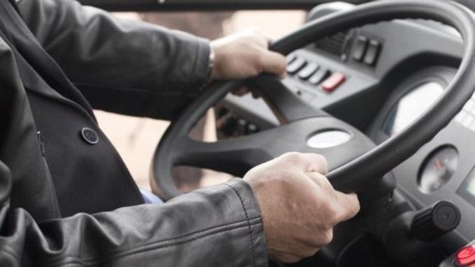 В Уссурийске 94-летнего ветерана ВОВ водитель вытолкал из автобуса, разорвав его удостоверение.
