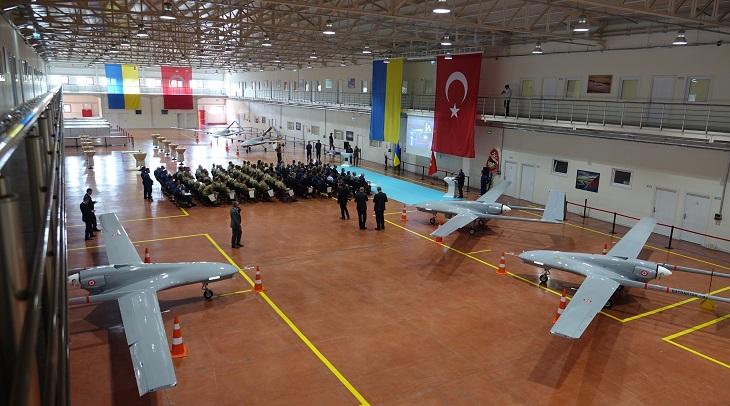 Турция решила своими беспилотниками помочь Украине воевать с Россией.