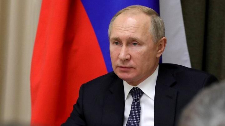 Путин требует бороться с ростом цен на продукты.