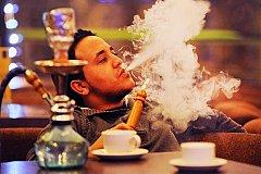 В России запретили курение кальянов в местах общепита.