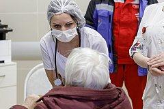 На коронавирус проверят всех граждан РФ старше 65 лет с симптомами ОРВИ.