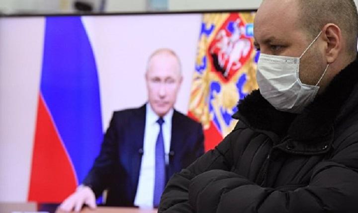 Путин «самоизолировал» россиян еще на месяц.