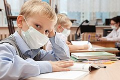 Российские школьники возможно будут учиться летом.