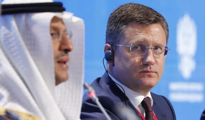 Россия и Саудовская Аравия намерены и дальше сокращать нефтедобычу.