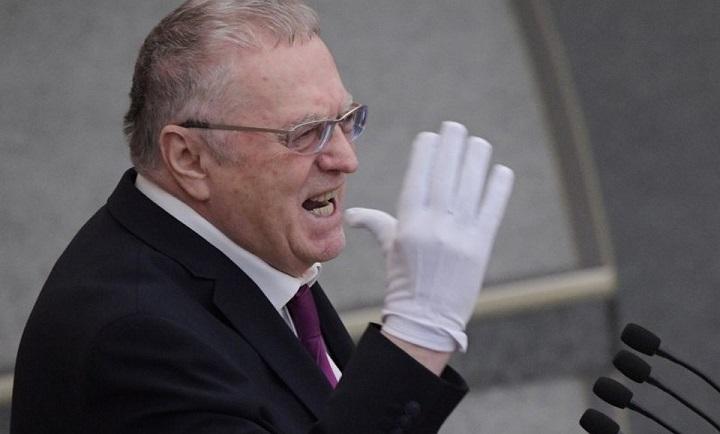 Жириновский заявил, что бизнесмены должны поделиться деньгами с россиянами.