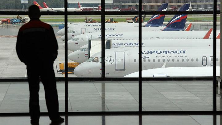 Авиаперевозчики подняли цены на рейсы из Москвы.
