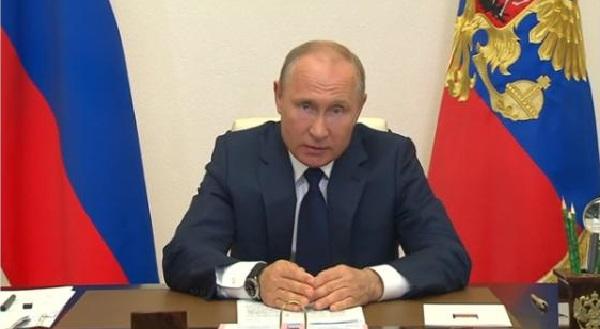 Президент объявил о завершении периода нерабочих дней с 12 мая, поддержке бизнеса и детей.