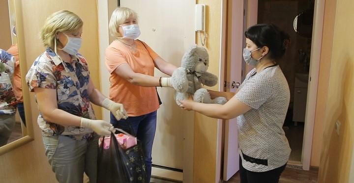 Омский центр «Радуга» организовал доставку продуктов для своих паллиативных подопечных. фото 5