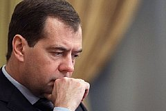 Медведеву самоизоляция не нравится.