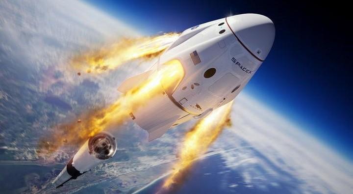 Маск не мог не использовать в Crew Dragon российские детали. фото 2