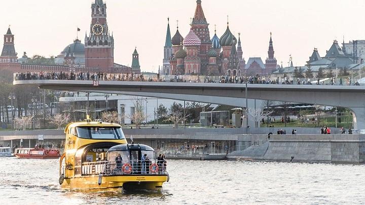 В Москве отменен режим пропусков и самоизоляции.