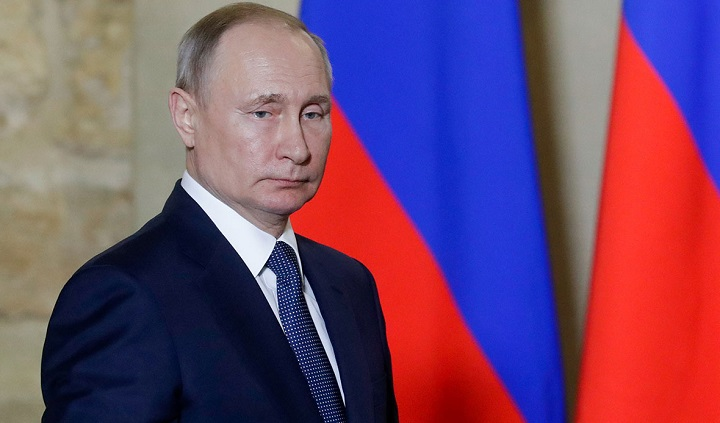 Путин начал борьбу с отмыванием денег в России.