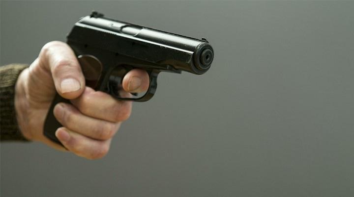 В СКР опровергли информацию о смерти стрелявшего в полицейских мужчины.