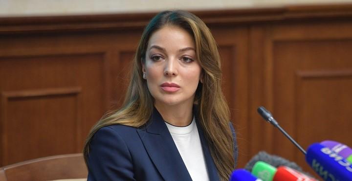 Глава Федерального агентства по туризму Зарина Догузова. Фото: vesti.ru