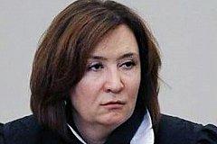 Скандальная судья Хахалева сведения о доходах раскрывать отказалась.