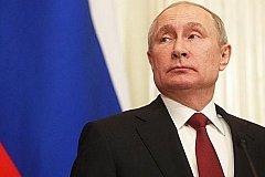 Возможность баллотироваться на новый срок Путин не исключил и преемника не ищет.