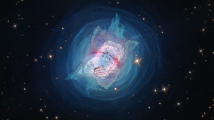 Телескоп Хаббл сделал потрясающие снимки фейерверков планетарных туманностей. фото 4