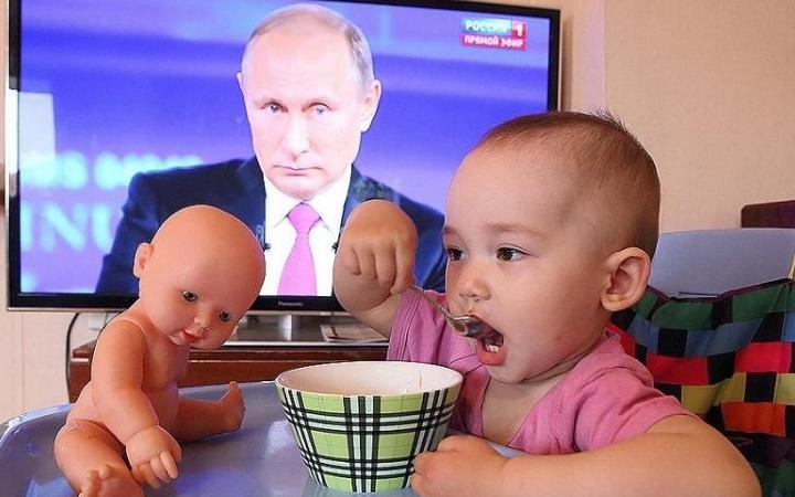Семьи с детьми повторно получат по 10 тысяч рублей.