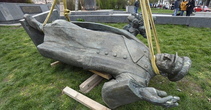 Инициатор сноса памятника Коневу в Праге обвинил в этом Россию. фото 2