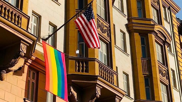 Путин: Повесив флаг ЛГБТ, они показали, кто там работает. фото 3