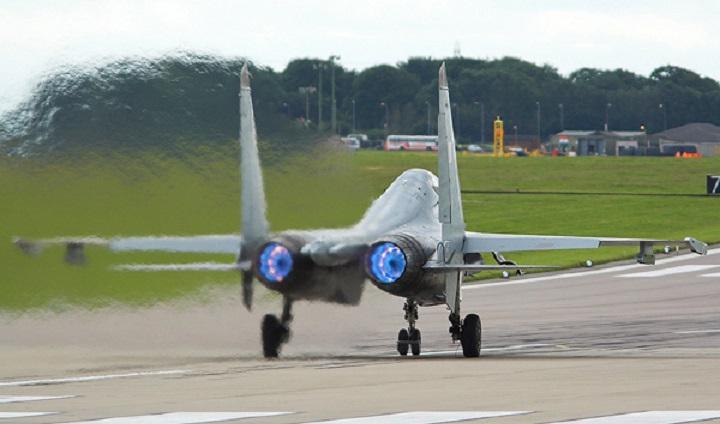 Для российских истребителей создают универсальные двигатели.