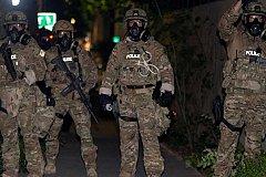 Москва требует расследовать нападение американских полицейских на российских репортеров.