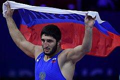 Вызов борца из США вызвал насмешку у олимпийского чемпиона из России.