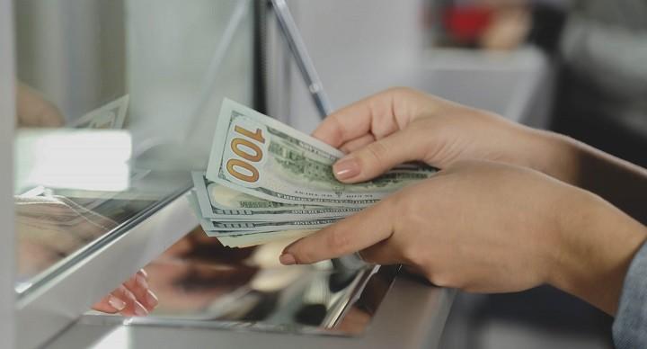 Вклады на сотни миллионов долларов потеряны банками России. фото 2