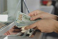 Вклады на сотни миллионов долларов потеряны банками России.