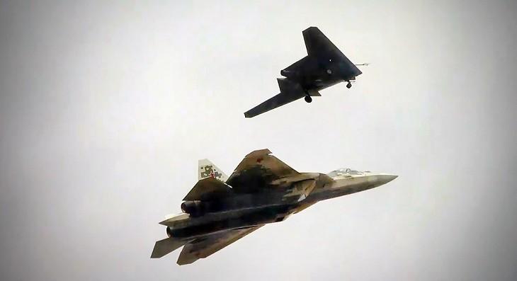 «Охотник» ведомый Су-57.
