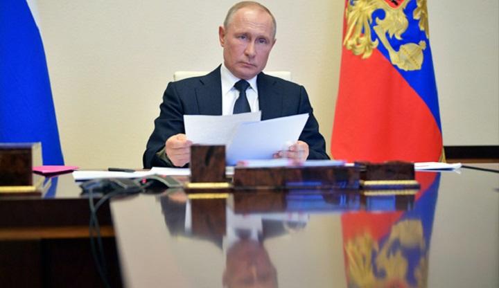 Президент поручил правительству финансировать вакцинацию граждан России.