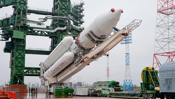 Ракета-носитель «Ангара-А5» на стапеле.