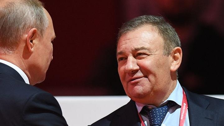 По версии Forbes самые богатые в России - Ротенберги.