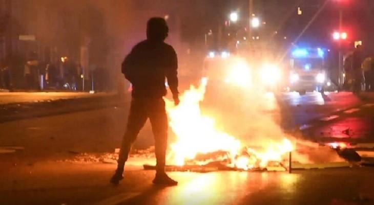Сожжение Корана вызвало массовые беспорядки в Швеции. фото 2