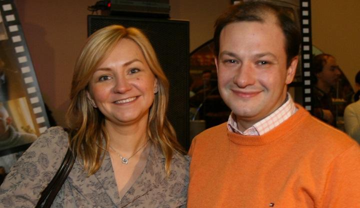 Гражданкой Англии стала теперь и жена телеведущего Сергея Брилева.