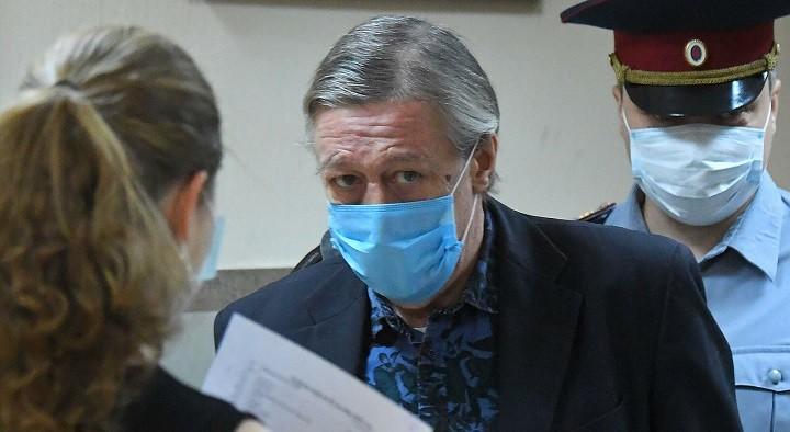 Михаил Ефремов в Пресненском суде на оглашении приговора. Фото: ria.ru