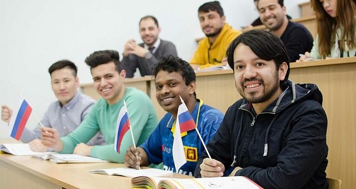 Иностранные студенты в России.