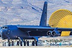 Для уничтожения Калининграда Пентагону нужно много бомбардировщиков.