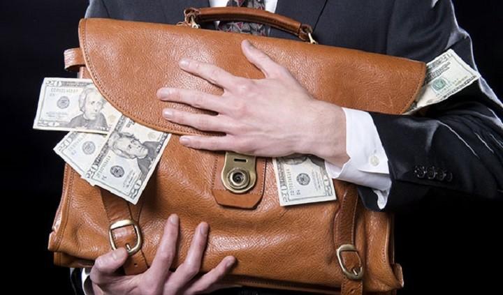 В Думе рассмотрят закон о запрете министрам держать деньги за границей. фото 2